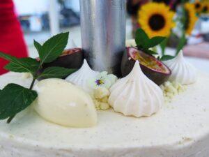 Vaniljecheesecake med passionsfrugt